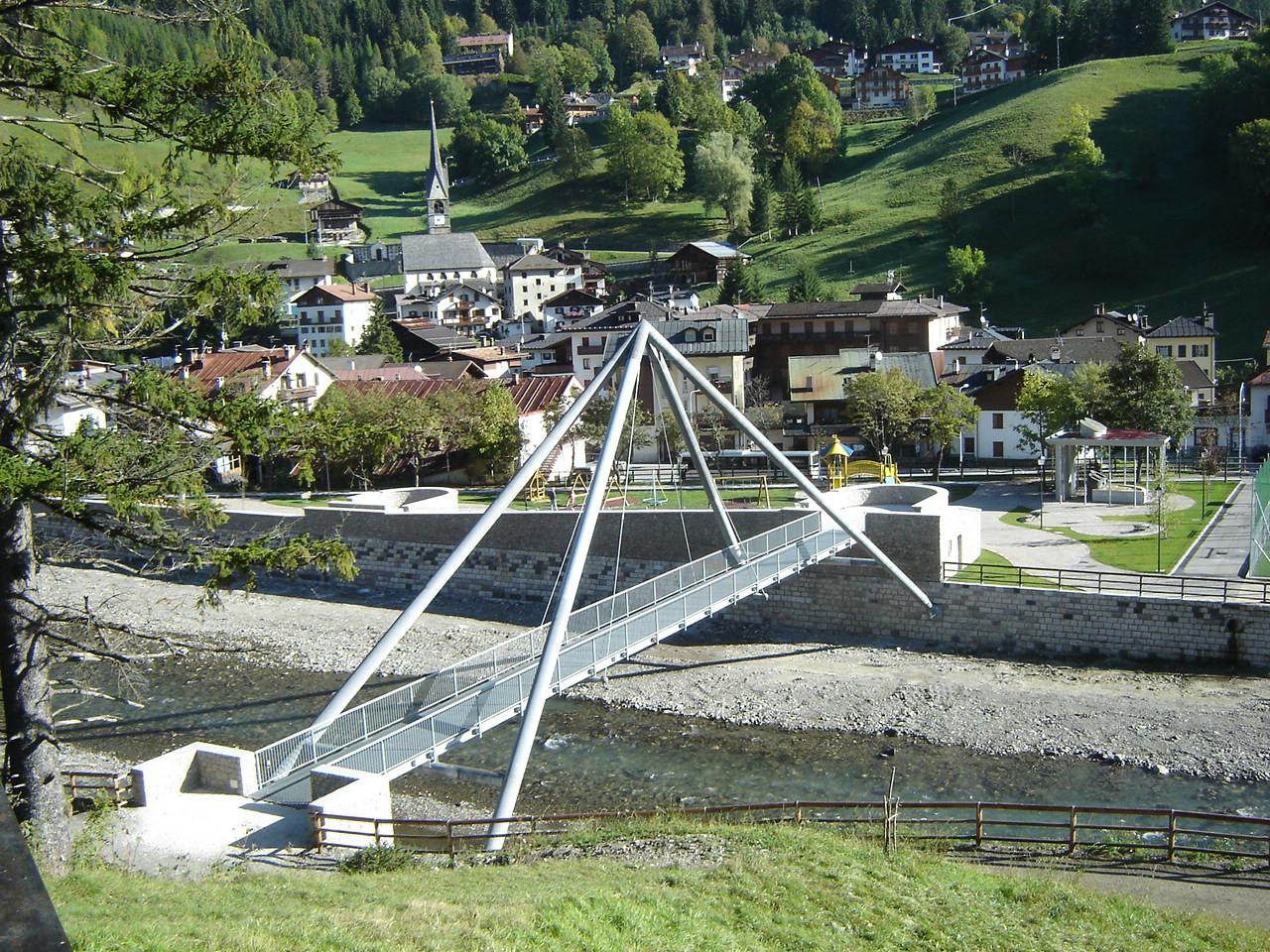 Progetto di costruzione di una passerella ciclopedonale sul torrente Cordevole a Caprile