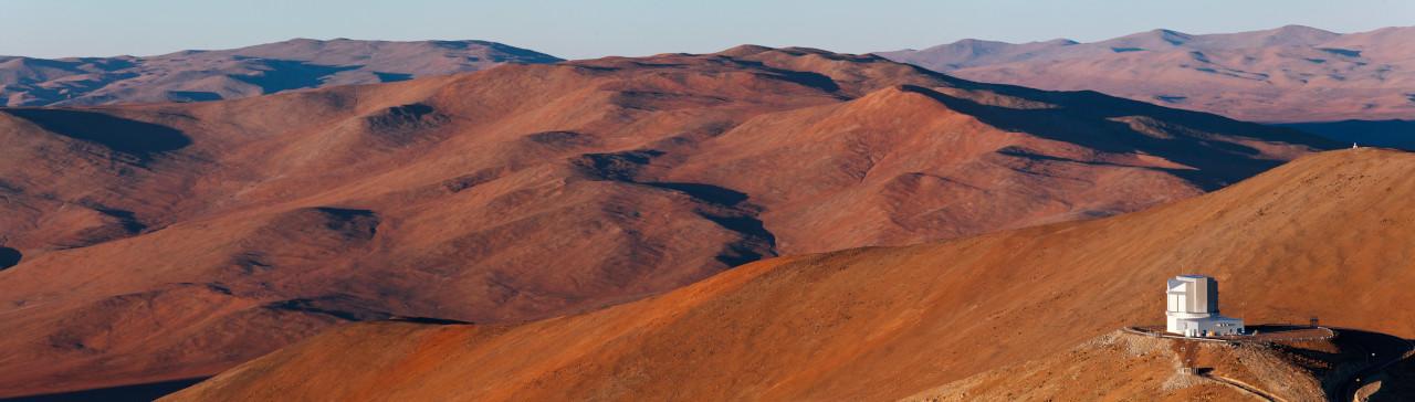 Progetto di costruzione del Visible and Infrared Survery Telescope for Astronomy (VISTA) nel deserto di Atacama in Cile