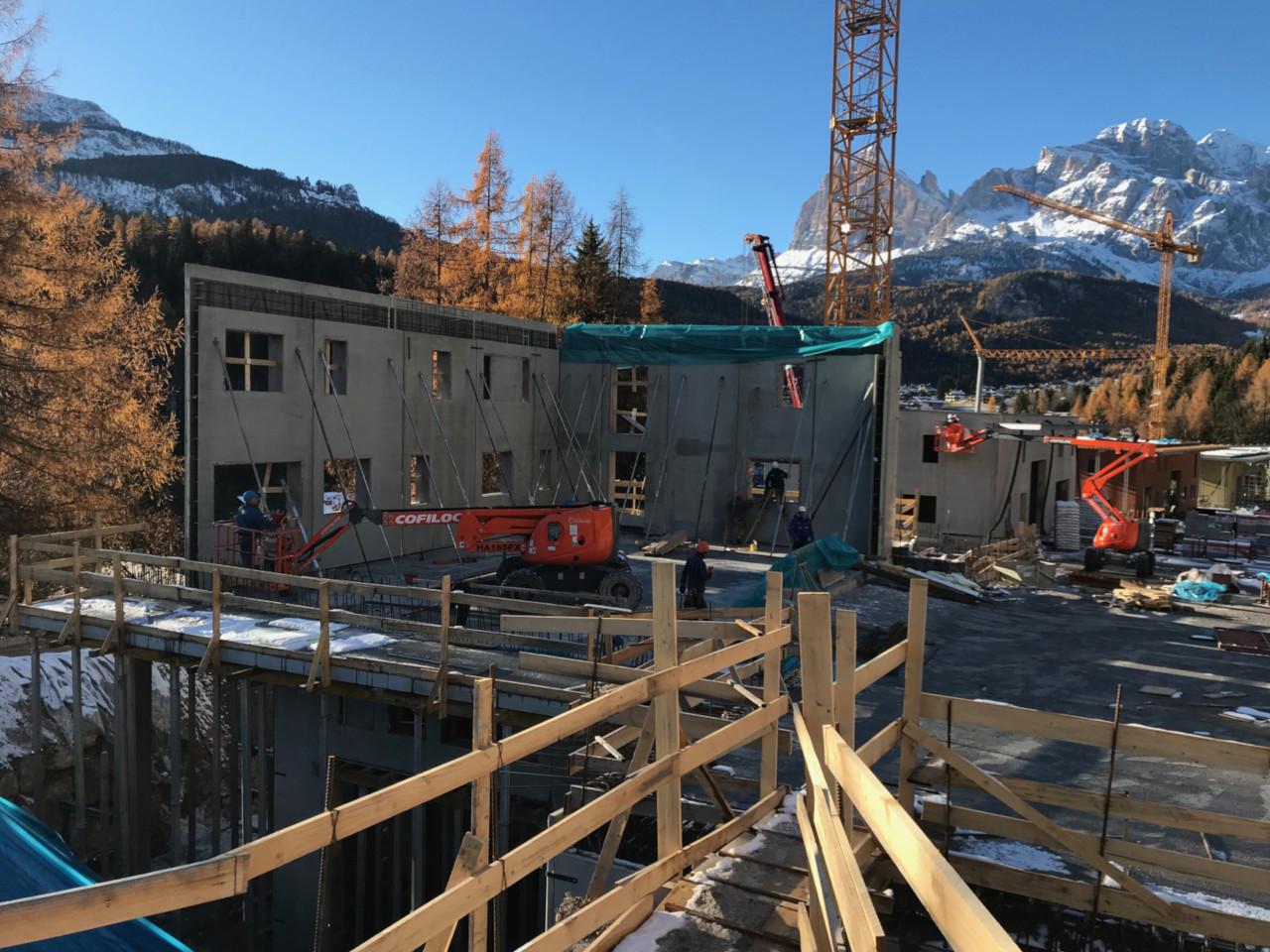 Progetto di costruzione di nuovi fabbricati artigianali in loc. Boschedel di Pian da Lago a Cortina d'Ampezzo