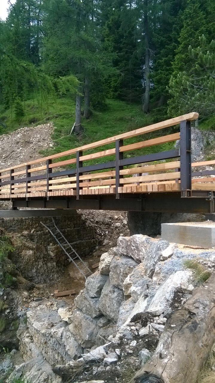 Progetto di ricostruzione di un ponte pedonale in comune di Vodo di Cadore