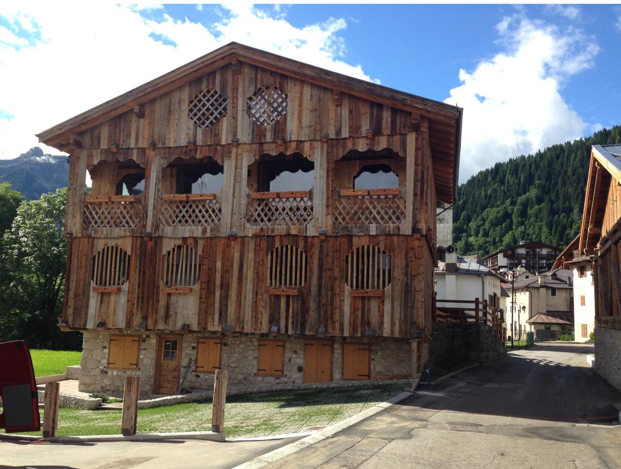 Progetto di ristrutturazionefabbricati rurali in loc. Mareson di Val di Zoldo