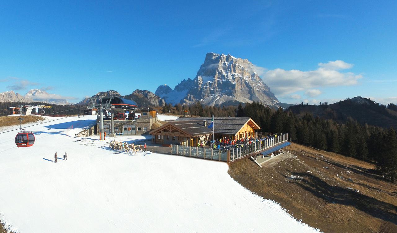 Progetto di ristrutturazione del rifugio Gran Baita ai Piani di Pezzè e del rifugio Col dei Baldi